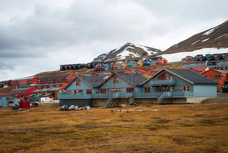 Longyearbyen stad, Svalbard royaltyfria foton