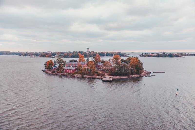 Lonna-Insel außerhalb Helsinkis stockfotos
