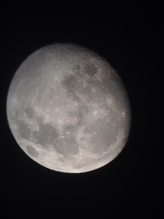 Lontano luna 2 immagine stock
