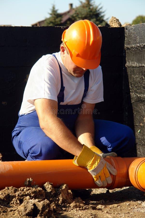 Loodgieter op het werk royalty-vrije stock foto's