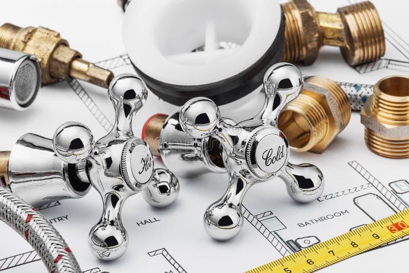Loodgieterswerk en hulpmiddelen royalty-vrije stock afbeeldingen