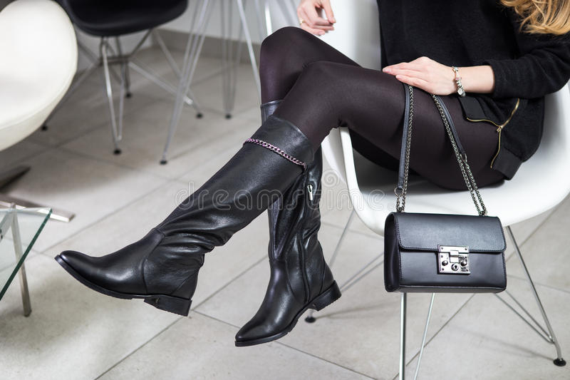 Lookbook, υψηλές μπότες δέρματος γυναικών ` s, στοκ εικόνα
