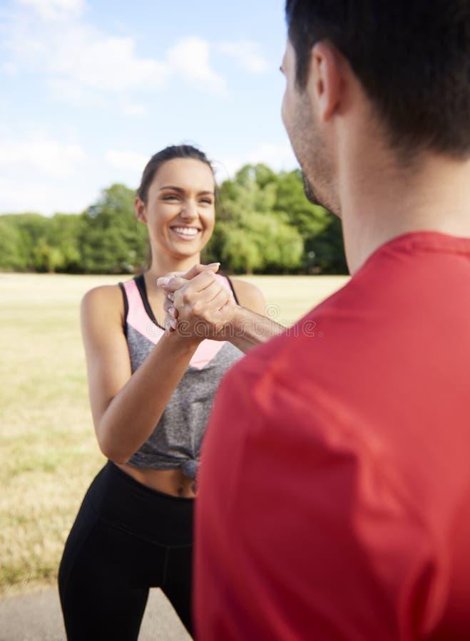 Lopen met partner is een gemakkelijker stock afbeelding
