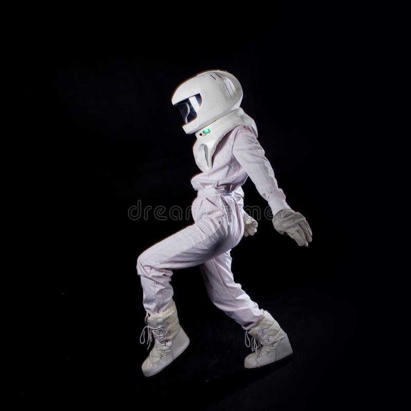 Lopende Astronaut in ruimte, in nul ernst stock afbeeldingen