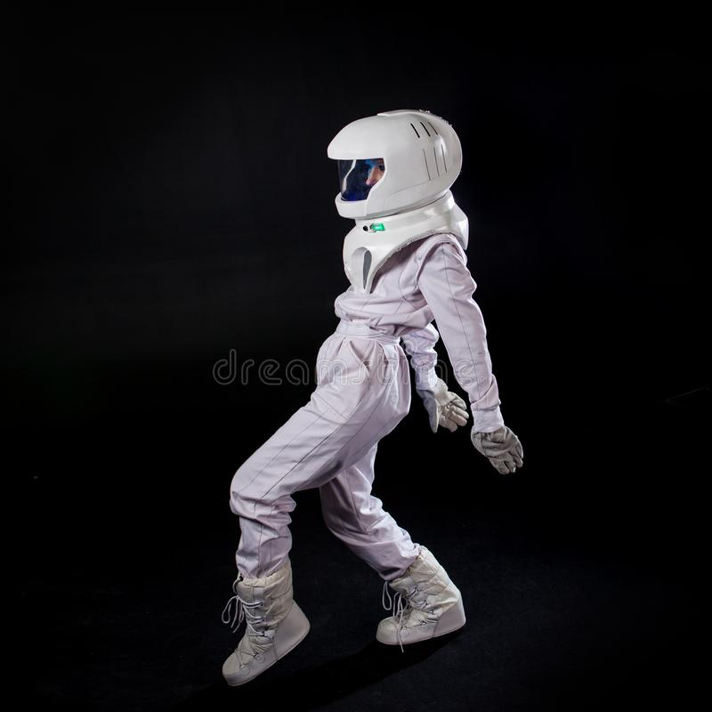 Lopende Astronaut in ruimte, in nul ernst royalty-vrije stock afbeelding