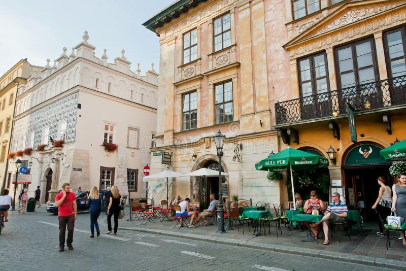 Lopende toeristen en families in hotelkoffie royalty-vrije stock foto's