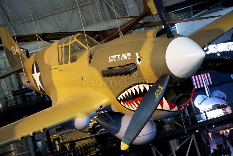 Lopes för P-40E Kitty Hawk hopp royaltyfria bilder