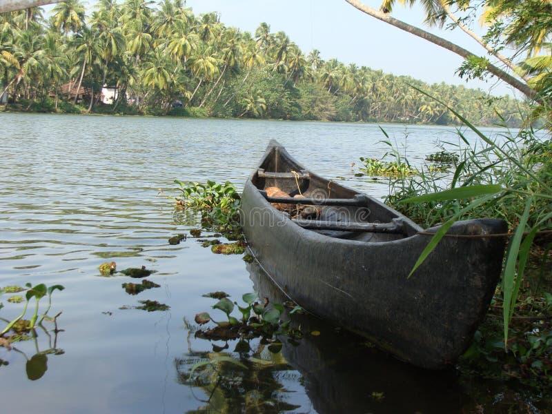 Lopp av lantliga Indien vid floden fotografering för bildbyråer