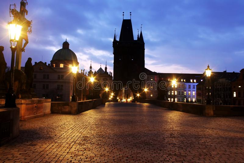 Lopp för sikt-att se av stadssikten på Pargue, Tjeckien royaltyfri fotografi