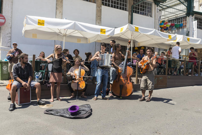 Loppmarknad Feira Da Ladra, Lissabon royaltyfria foton