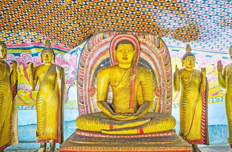 Lord Buddha en el templo de Dambulla fotos de archivo libres de regalías