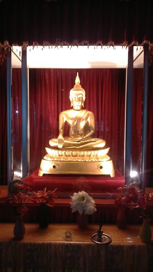 Lord Buddha & x27; estátua de s imagens de stock royalty free