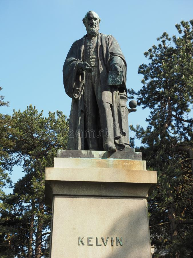 Lord Kelvin-Statue in den botanischen Gärten in Belfast stockbilder