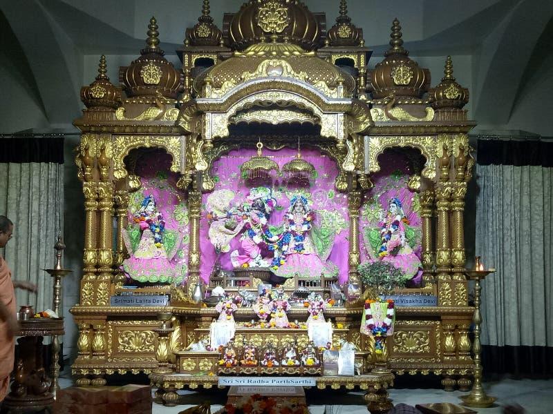 Lord Krishna en Radha met hun sakhistandbeelden royalty-vrije stock foto's