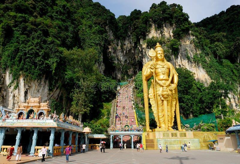 Download Lord Murugan Staty redaktionell fotografering för bildbyråer. Bild av grottor - 27279429