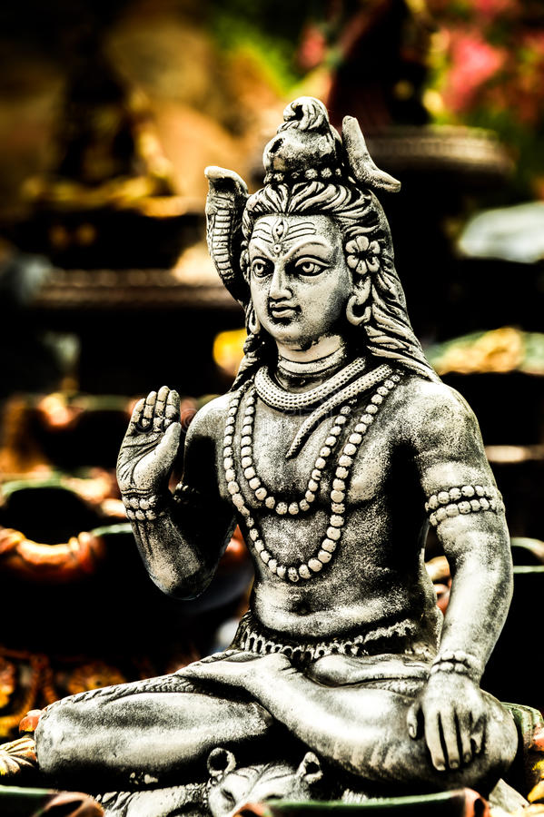 Lord shiva betete in Indien durch hindische Religion an stockfoto
