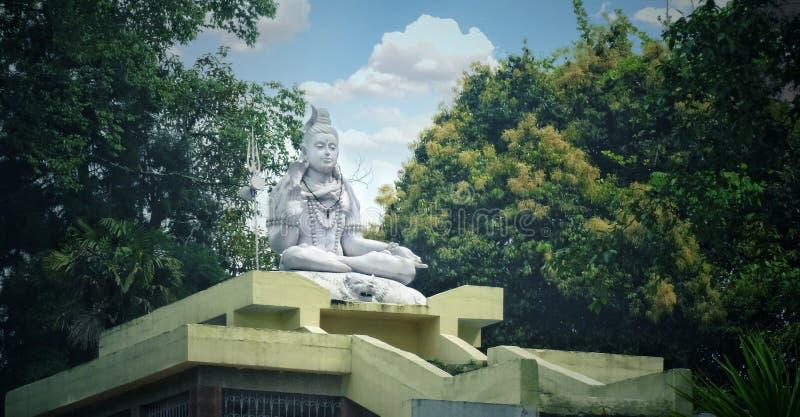 Lord shiva Statue im Park lizenzfreie stockbilder