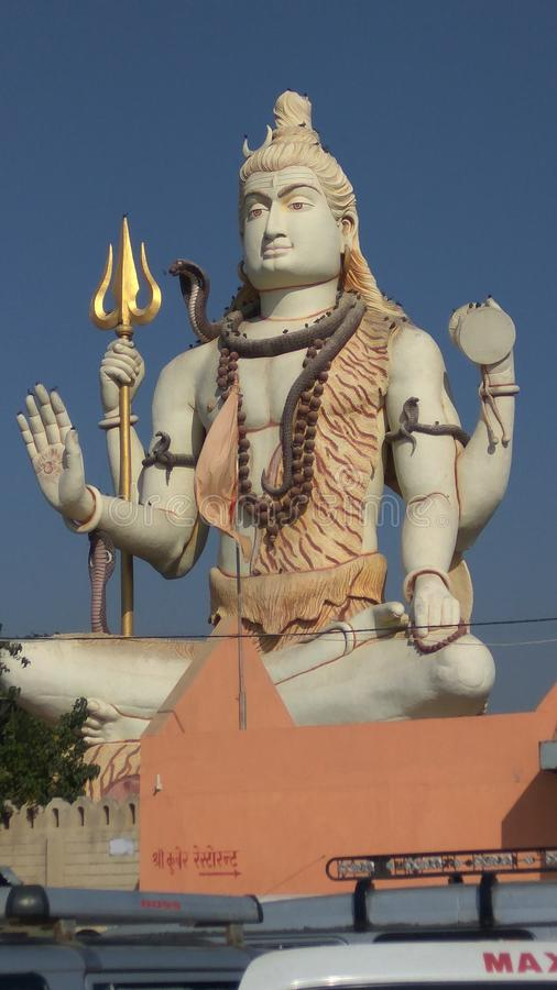 Lord Siva-Statue bei Nageswar Mahadev, Gujrat lizenzfreie stockfotografie