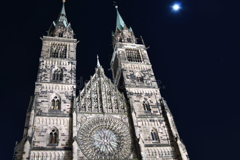 Lorenz kościół przy nocą zdjęcie royalty free