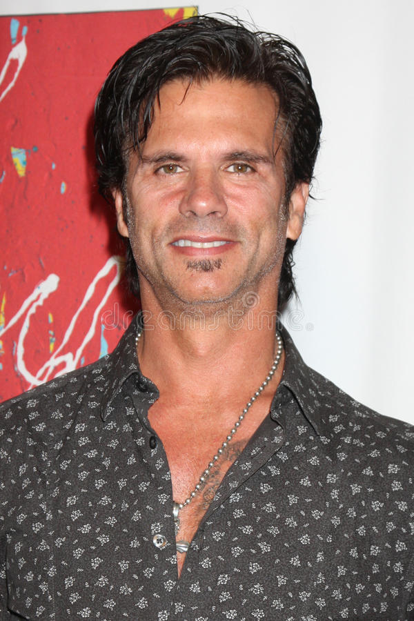 Download Lorenzo Lamas editorial photography. Image of unveiling - 20545142