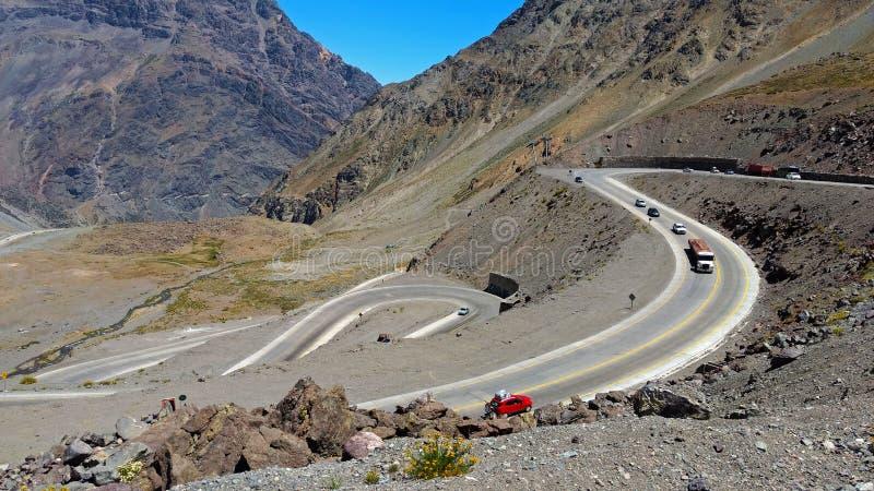 Los路线在智利的南美国家Caracoles, 库存图片