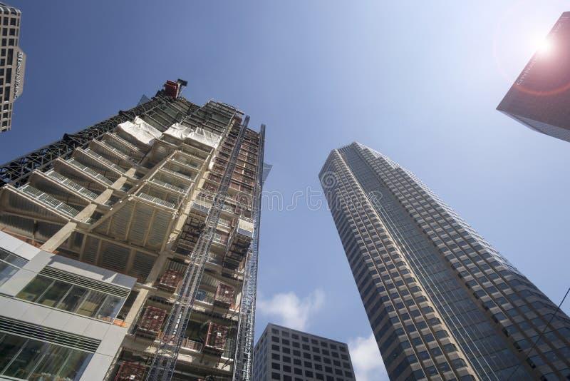 LOS ÁNGELES, CA, el 2 de junio de 1015 construcción floreciente en LA céntrico imágenes de archivo libres de regalías