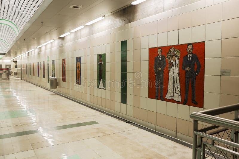Los Ángeles, los E.E.U.U., 2016:02: la estación de metro 28 es centro municipal foto de archivo