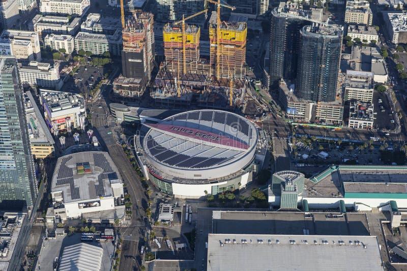 Los Ángeles Staples Center y antena céntrica de la construcción foto de archivo libre de regalías