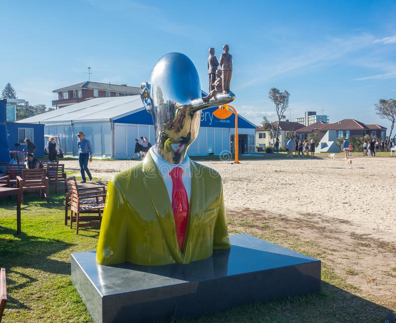 Los 'pensamientos de Pinocchio 'son ilustraciones esculturales por Kim bong soo en la escultura por los acontecimientos anuales d imagenes de archivo