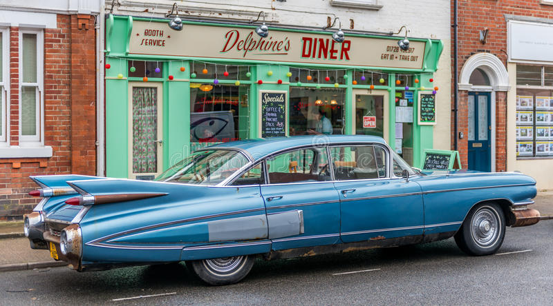 Los años 50 comensal y coche de Suffolk de Southwold fotografía de archivo
