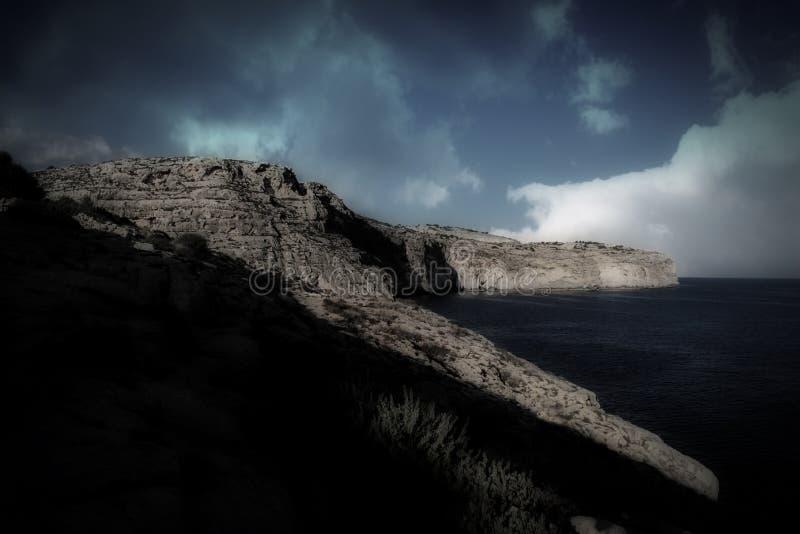 Los acantilados en Zurrieq, Malta foto de archivo libre de regalías