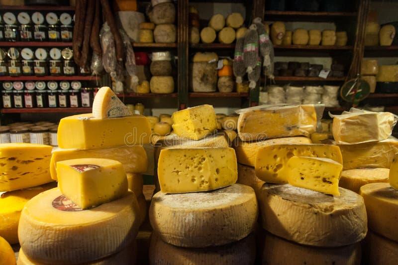 Los amantes del queso no estarán decepcionados en Tandil, la Argentina foto de archivo libre de regalías