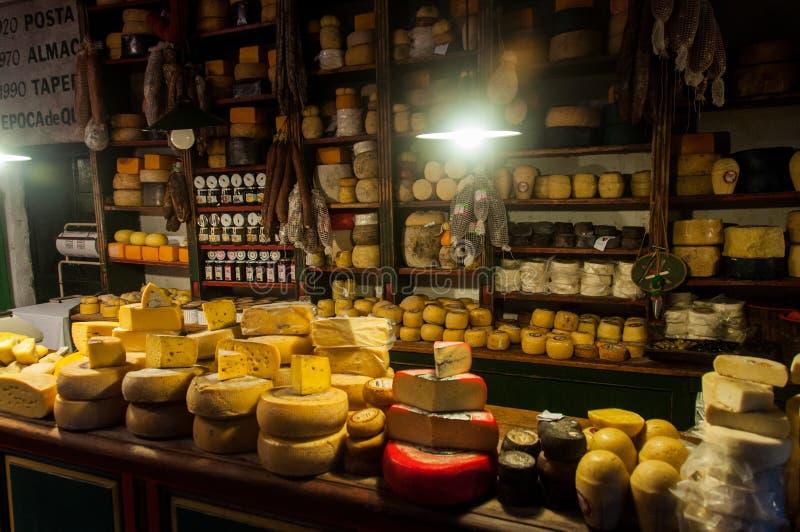 Los amantes del queso no estarán decepcionados en Tandil, la Argentina imágenes de archivo libres de regalías