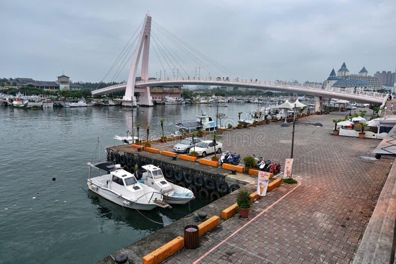 Los amantes tienden un puente sobre, Taipei foto de archivo