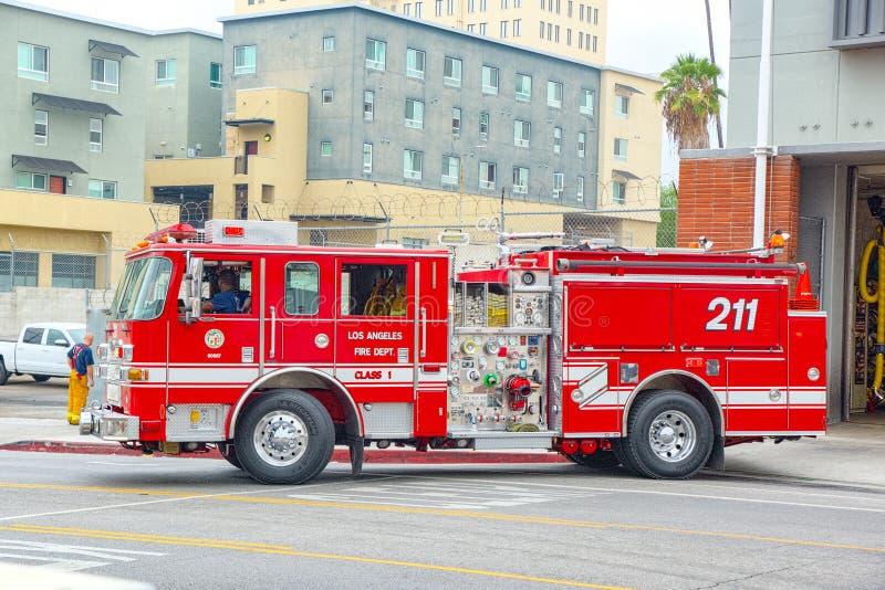 Los Angeles-area и пожарные машины, спешность, который нужно увольнять стоковое фото rf
