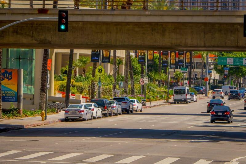 Los Angeles, Califórnia, EUA, AGOSTO, 20, 2018: A vista exterior da autoestrada de Los Angeles ramps o intercâmbio no San imagens de stock royalty free