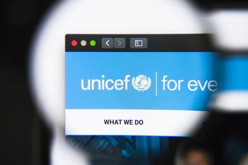 Los Angeles, Californië, de V.S. - 27 December 2018: De homepage van de UNICEFwebsite Zichtbaar UNICEFembleem royalty-vrije stock afbeelding