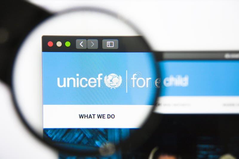 Los Angeles, Californië, de V.S. - 27 December 2018: De homepage van de UNICEFwebsite Zichtbaar UNICEFembleem stock foto's