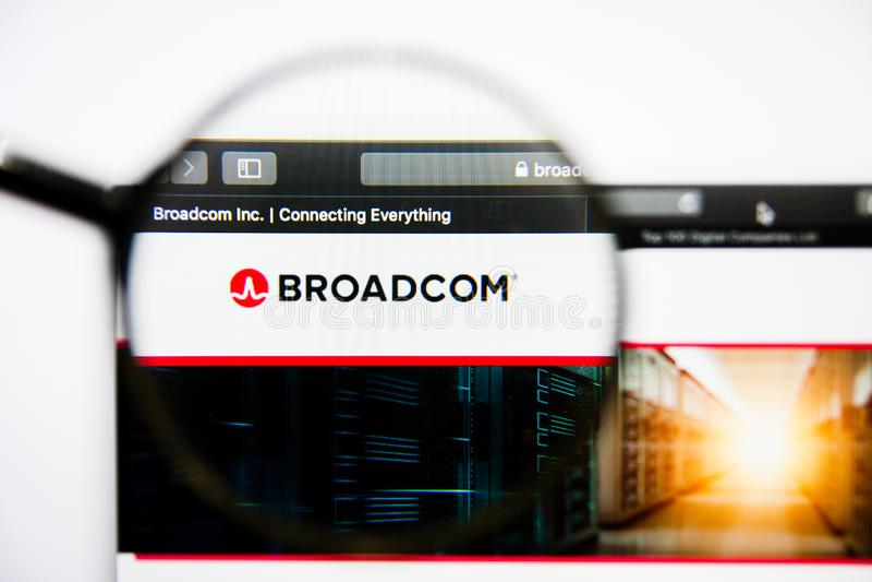 Los Angeles, Californië, de V.S. - 25 Januari 2019: De homepage van de Broadcomwebsite Broadcomembleem zichtbaar op het vertoning royalty-vrije stock foto's
