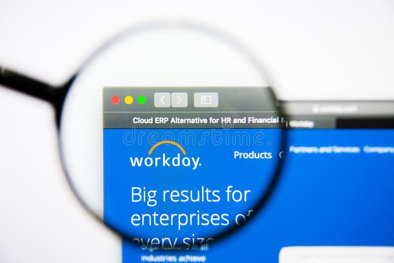 Los Angeles, Californië, de V.S. - 25 Januari 2019: De homepage van de werkdagwebsite Werkdagembleem zichtbaar op het scherm stock foto
