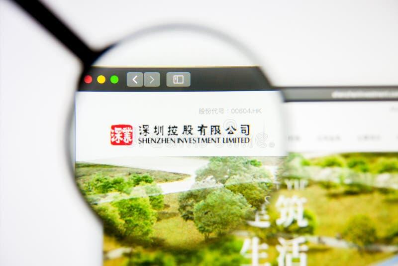 Los Angeles, Californië, VS - 5 maart 2019: Homepage van de website Shenzhen Investment Shenzhen Investment-logo zichtbaar op dis stock foto