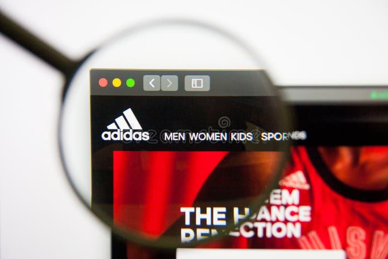 La nuestra entrar Asistencia  Sitio Web De Adidas Abierto En El M?vil Imagen de archivo editorial -  Imagen de abierto, sitio: 149572724