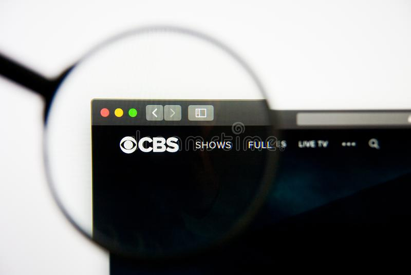 Los Angeles, California, los E.E.U.U. - 28 de febrero de 2019: Homepage de la página web de CBS Logotipo de CBS visible en la pan fotografía de archivo
