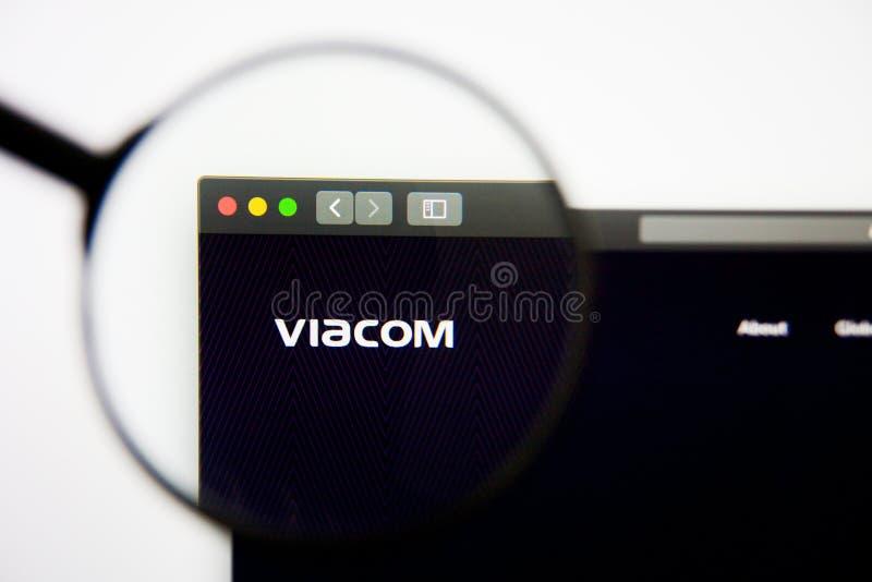 Los Angeles, California, los E.E.U.U. - 28 de febrero de 2019: Homepage de la página web de Viacom Logotipo de Viacom visible en  imágenes de archivo libres de regalías