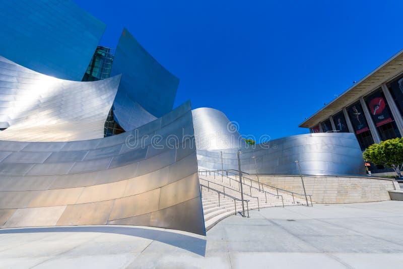 LOS ANGELES, California, U.S.A. - 13 giugno 2017: Walt Disney Concert Hall a Los Angeles del centro progettato da Frank Gehry, ca fotografie stock libere da diritti