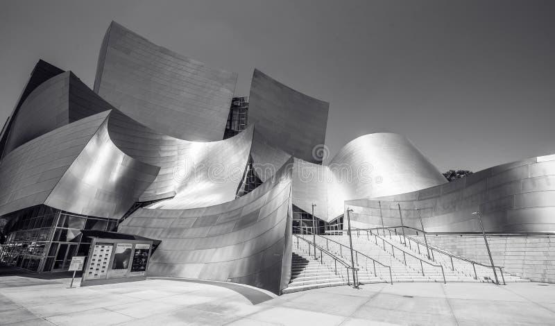 LOS ANGELES, California, U.S.A. - 13 giugno 2017: Walt Disney Concert Hall a Los Angeles del centro progettato da Frank Gehry, ca fotografia stock libera da diritti