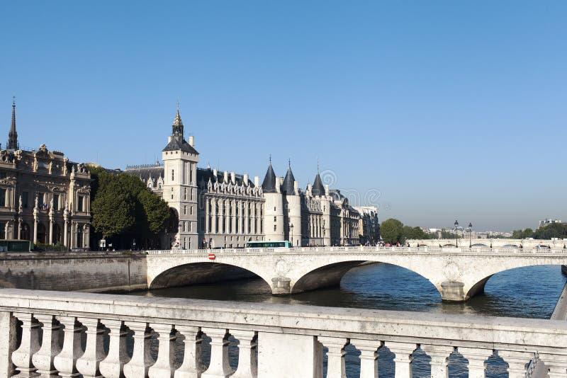 Download Los Angeles Concergerie, Paryż Zdjęcie Stock - Obraz złożonej z królewski, kasztel: 41955156