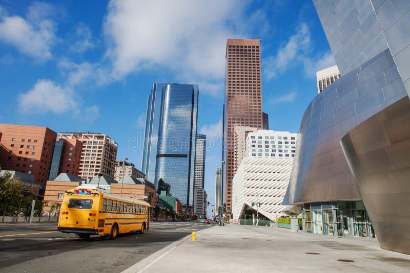 LOS ANGELES - 26 DE JULHO: Vista para baixo na cidade e no Walt foto de stock royalty free