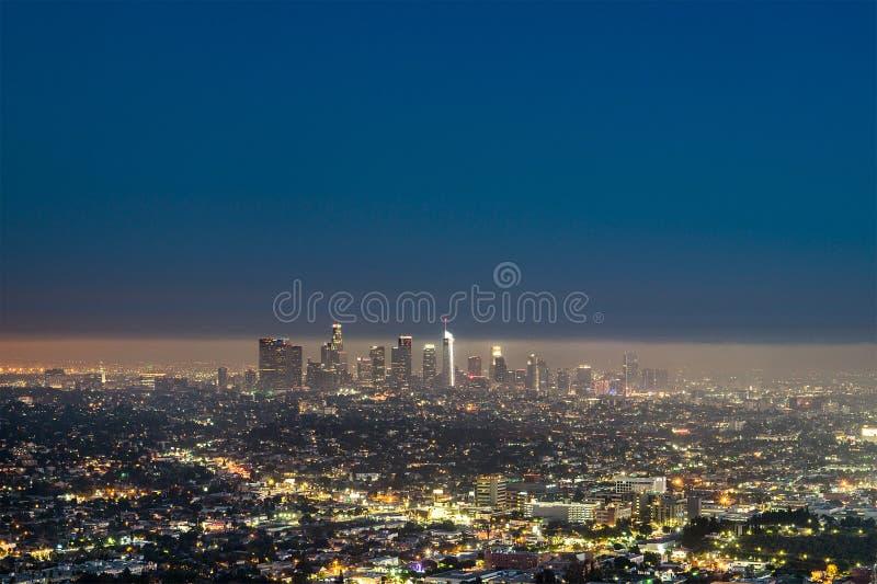 Los Angeles de stad in bij nacht royalty-vrije stock afbeeldingen