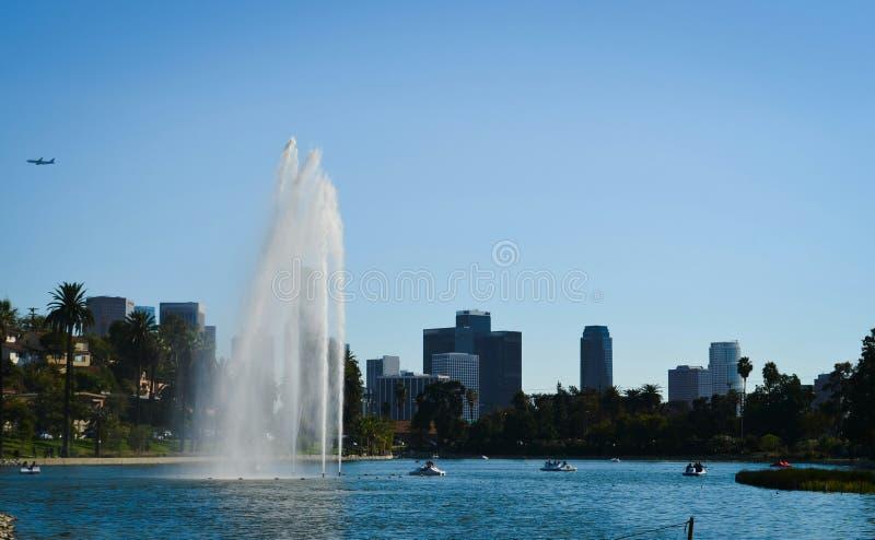 Los Angeles Echo Park met een waterval stock afbeeldingen